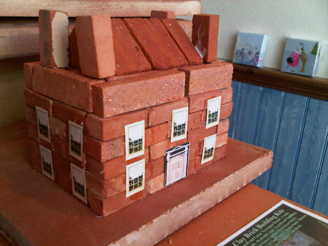 Miniature clay clay brick building kits for Mud brick kit homes